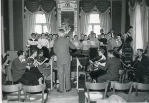 Das Orchester der Braunschweigischen Musikgesellschaft bei seiner England-Reise 1954